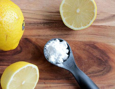 7 Amazing Uses for Baking Soda