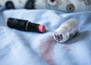 How to Clean Makeup from Pillowcases