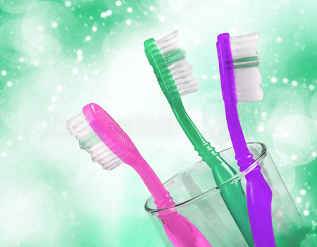 how to clean toothbrush with vinegar