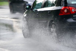6 Life-Saving Tips for Driving in the Rain
